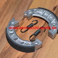 Aermacchi Harley X90, Shortster - brake shoes with linings and springs 44073-65